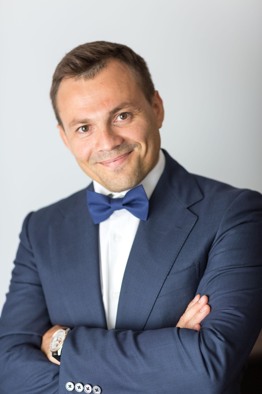 Александр Гаряев